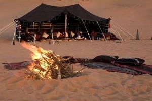 HH Oman kampvuur strand 1000x