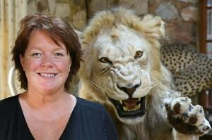 Over mij leeuw Afrika 1000x
