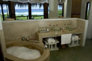 TBL Ocean View bathroom 1000x