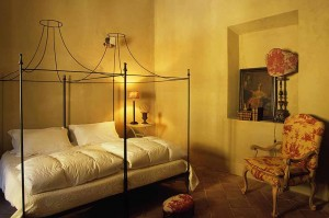 LT locanda di villa slaapkamer 1000x